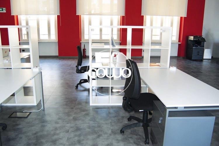 Postazioni e scrivanie al Torino Coworking Center